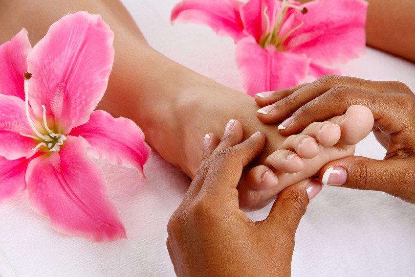 fodbehandling og helkropsmassage
