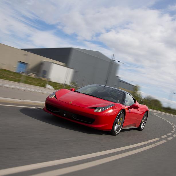 Kør Ferrari 458 - København