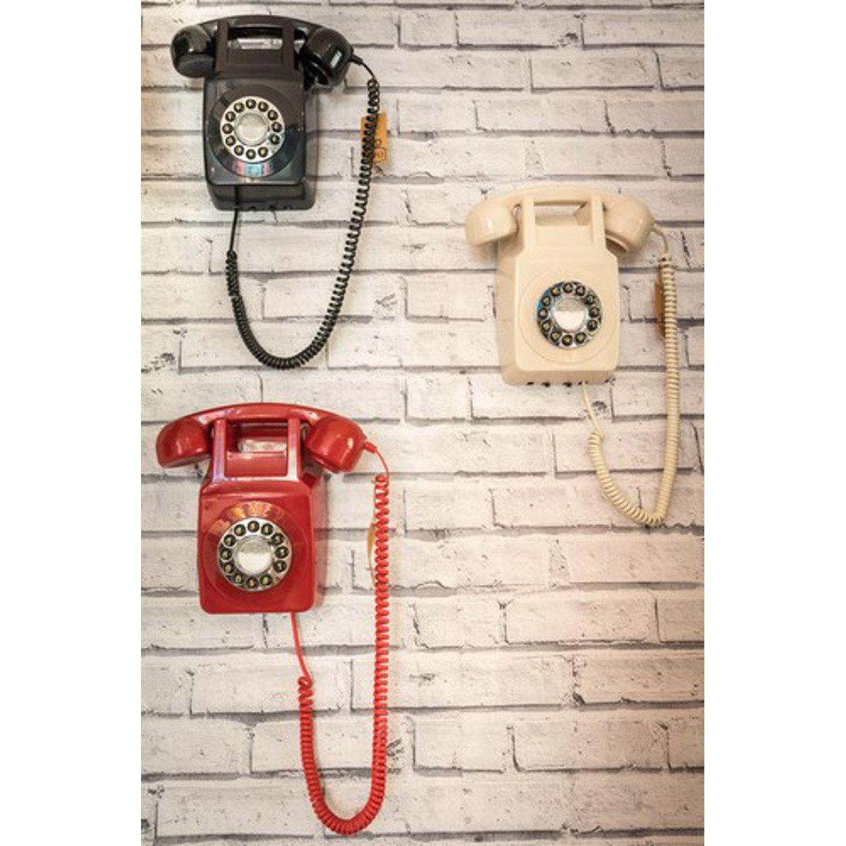 Wandtelefon im 70er Design - Szene