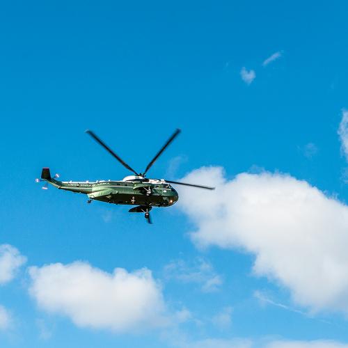 VIP-flyvning i helikopter for 3 personer - Greve