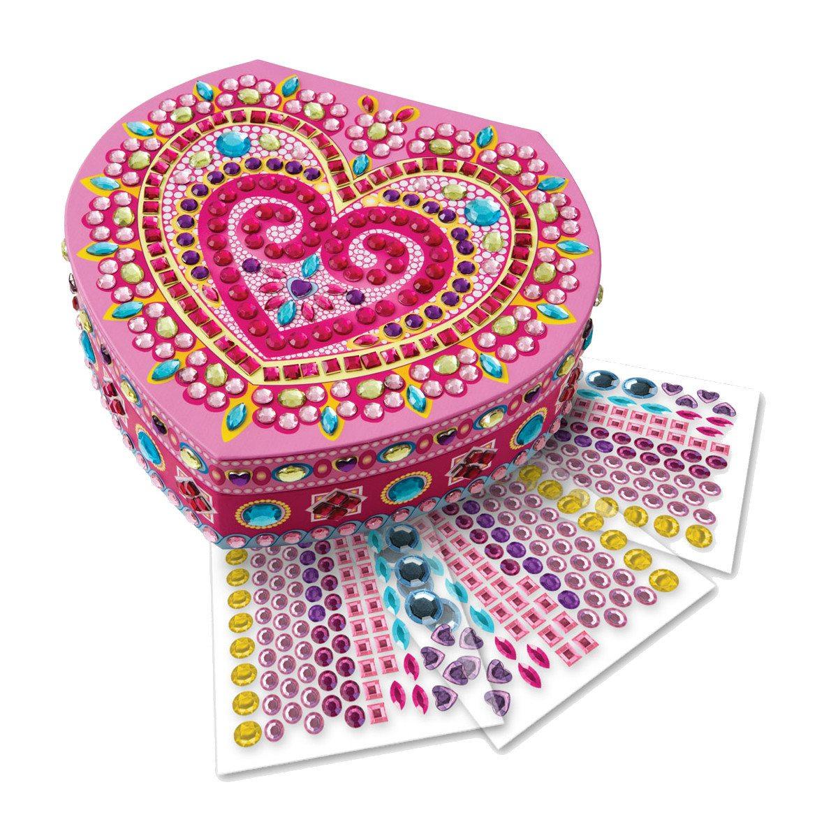 Hjerteformet smykkeskrin med klistermærker