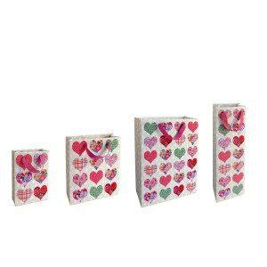 Gavepose med patchwork-hjerter