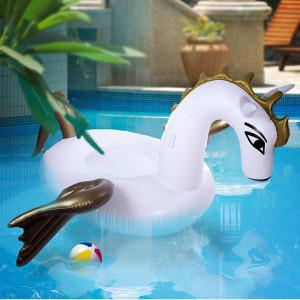 Gigantische Badeinsel Pegasus - Szene