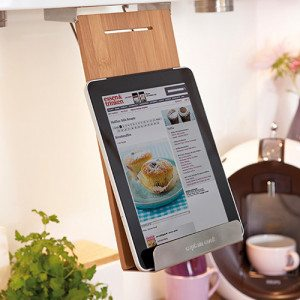 Holder til kogebog, tablet eller iPad med eller uden indgravering