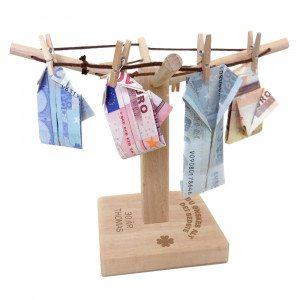 Indgraveret pengestativ til pengegaver