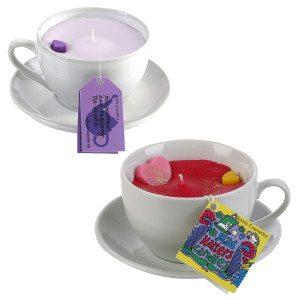 Eine Tasse Tee gefällig? Duftende Kerzen in der Tasse