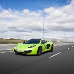 Kør McLaren - 4 omgange på bane - Roskilde
