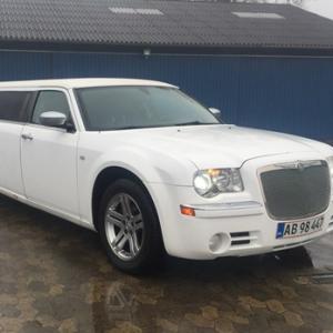 Limousinekørsel i Chrysler for op til 8 personer - Nordsjælland