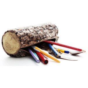 Penalhus formet som en træstamme