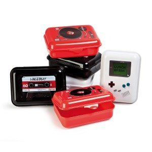 Retro madkasse med elektroniklook