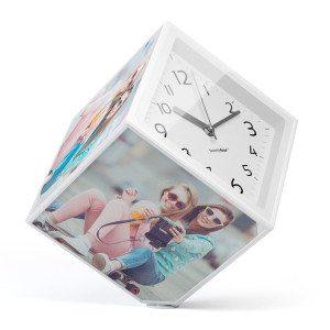 Roterende fotoramme og ur i ét