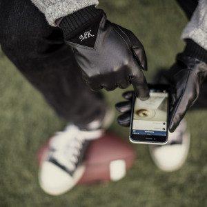 Smartphone-handsker med initialer til mænd