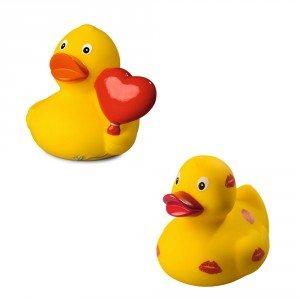 Sød badeand med kys eller hjerte