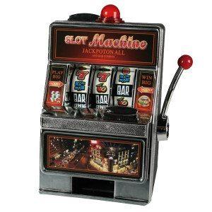 Sparegris formet som en spilleautomat