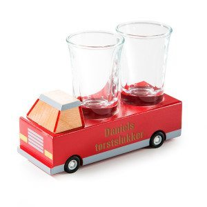 Tørstslukker - træbil med to shotglas