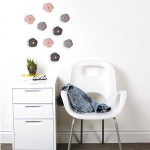 Vægdekoration med blomstermotiv